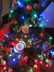 2011_12_08_Kids_Tree-103